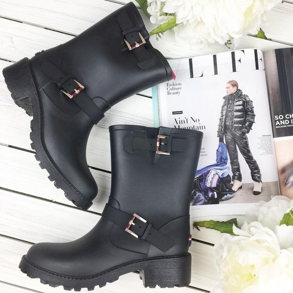 fbfe330e41ea0 Tommy Hilfiger Black Winter Rain Boots. M 5b8ef72cd6716a4d39b41369